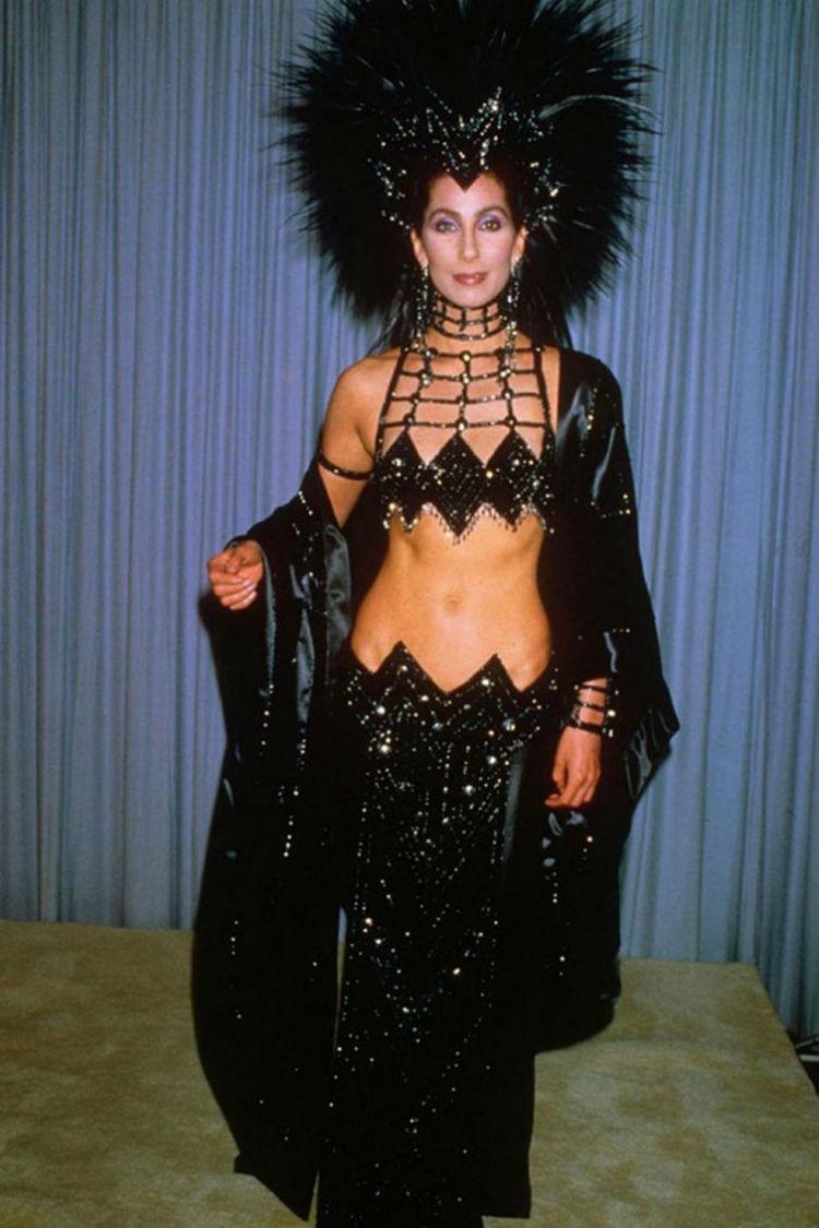 Та самая королева эпатажа Шер, 1991 год история, платье