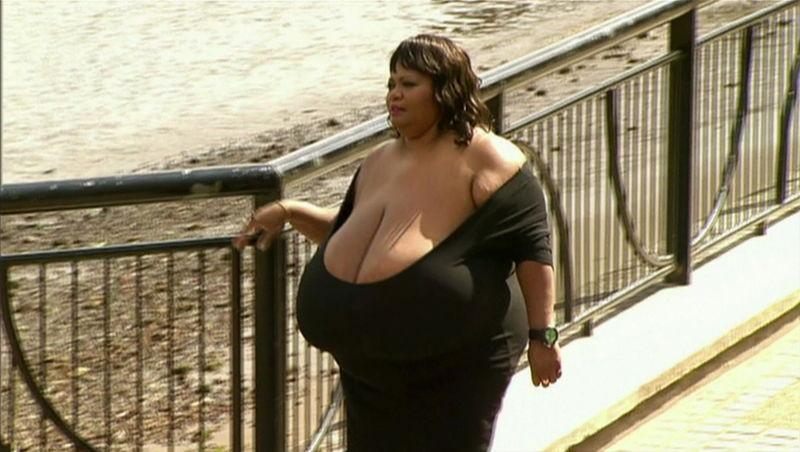 онлайн бесплатно необычные груди