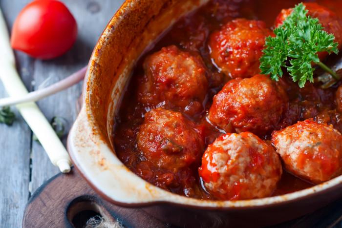 Гречаники с фаршем в томатном соусе.  Фото: edinstvennaya.ua.