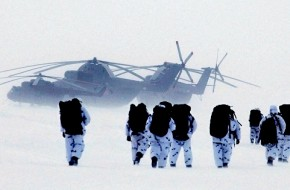 Российские десантники готовятся к битве за Арктику