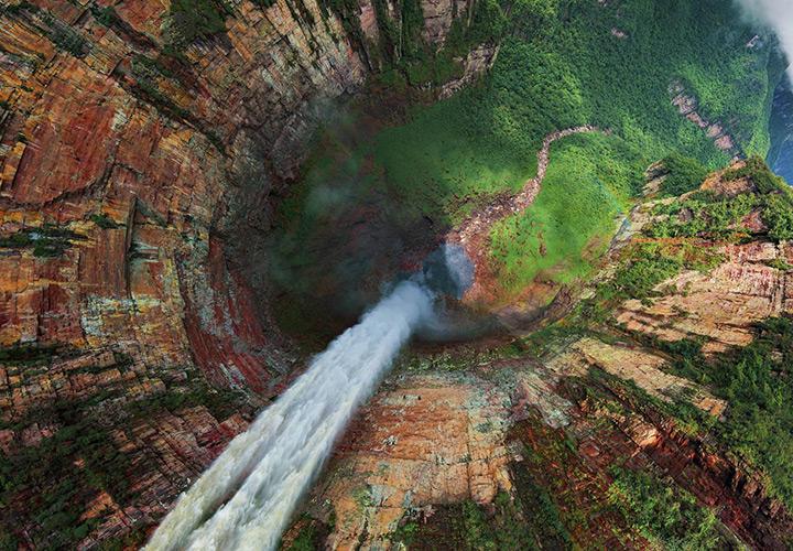 Водопад Чурун-меру в Венесуэле