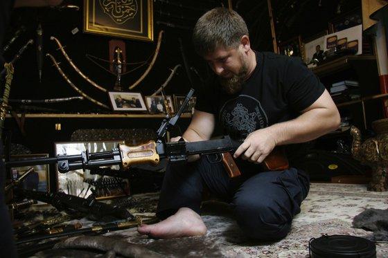 """""""Они умрут страшно"""": ИГ обезглавило чеченца, Кадыров поклялся отомстить"""