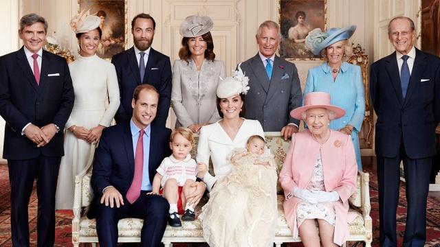 Путешествия по-королевски: сколько британская королевская семья тратит на поездки
