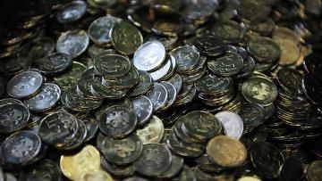 Пятирублевые монеты, архивное фото