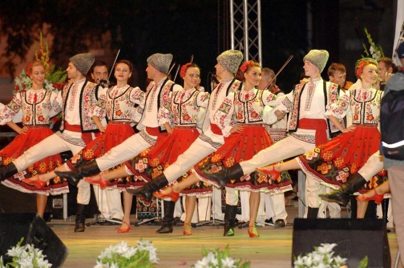 Танцы народов мира. Молдавские танцы