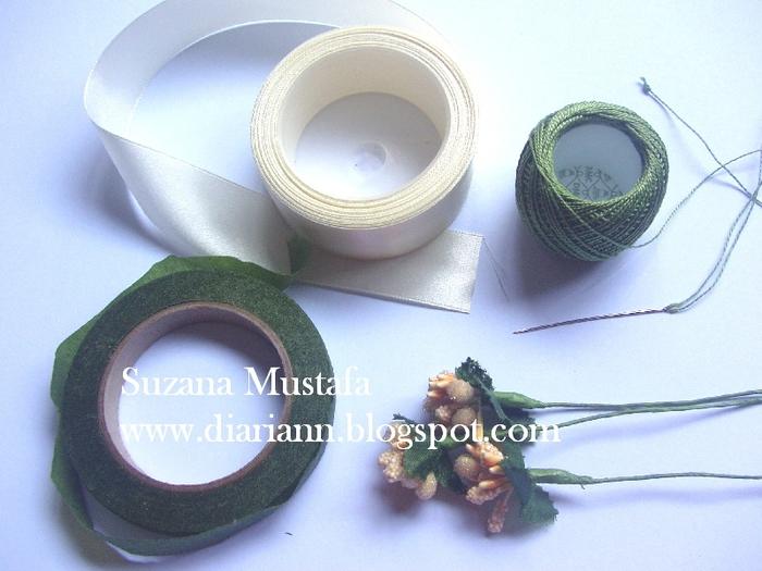 Цветы из шелковых лент от Suzana Mustafa. Идеи и мастер-класс (1) (700x525, 265Kb)