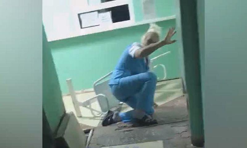 «Кошмар вообще»: в Омске неадекватная медсестра шокировала больных