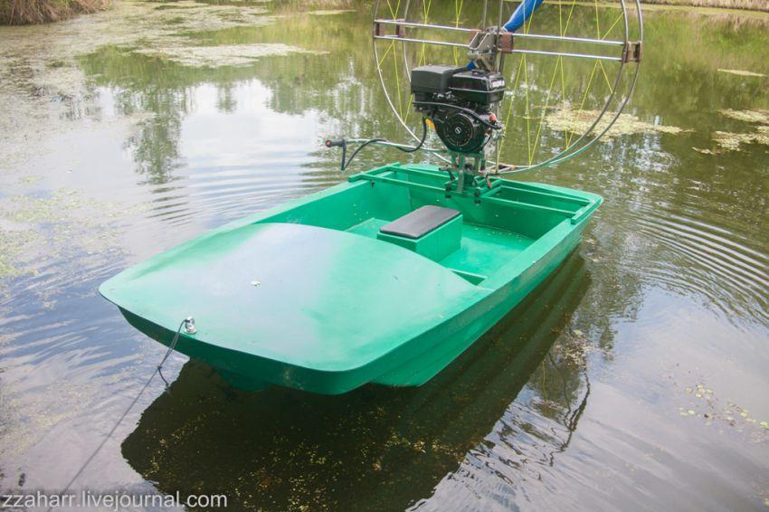 резиновая лодка на винтах
