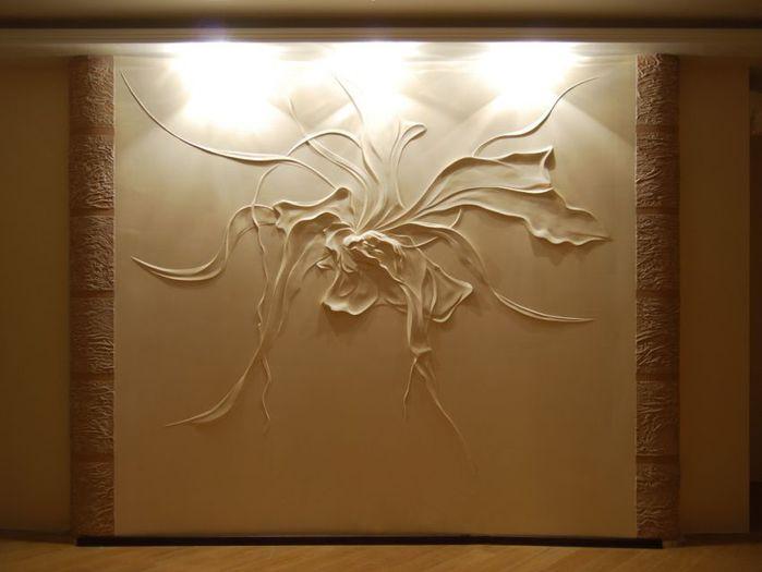 Декор стен объемной штукатуркой