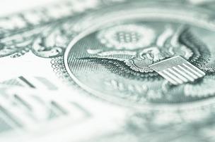 Путин призвал прекратить использовать доллары в расчетах внутри РФ