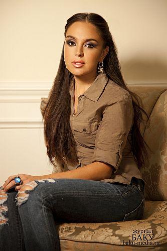 красивая азербайджанка Лейла Алиева. Фото
