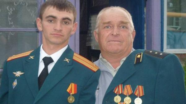 «Русский Рэмбо», вызвавший огонь насебя вСирии,— это Саша Прохоренко изОренбурга