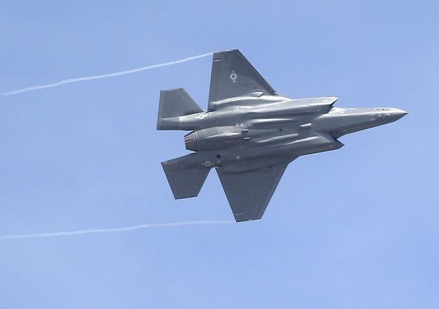 На базе ВВС США в Аризоне приостановлены полеты F-35 из-за инцидентов в воздухе