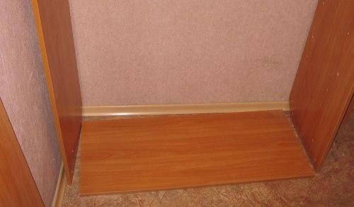 Установка дна и стенок шкафа-купе