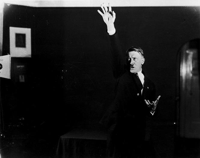 Фотографии, которых стыдился Гитлер