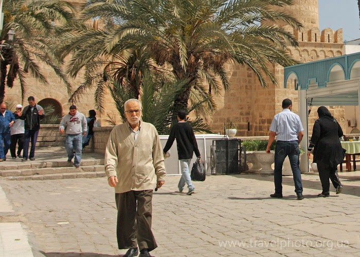 Люди в Тунисе