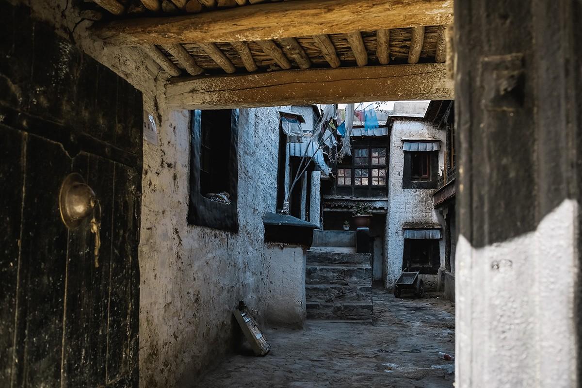 shigadze26 В поисках волшебства: Шигадзе, резиденция Панчен ламы и китайский рынок
