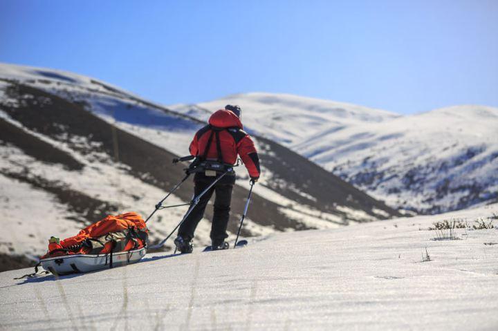 снежный пейзаж Кыргызстана