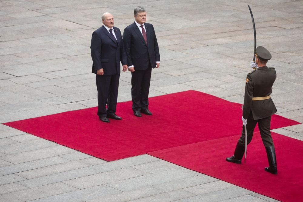 Лукашенко усилит границу с У…