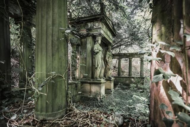 Заброшенные здания в фотогра…