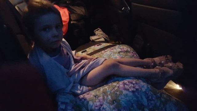 Пока пьяные родители спали в беспамятстве, этот парень забрал их 4-летнюю дочь...