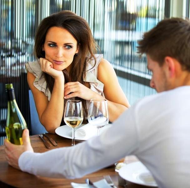 Почему женщина должна подарить себя нищеброду-неудачнику? А вы это заслужили?