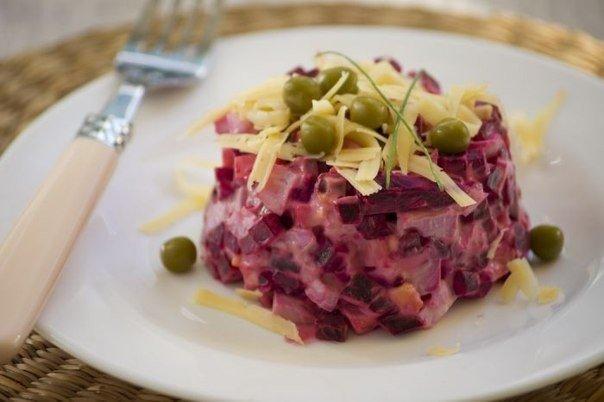 Обожаю готовить к ужину легкие салатики — вкусный и несложный свекольный салат