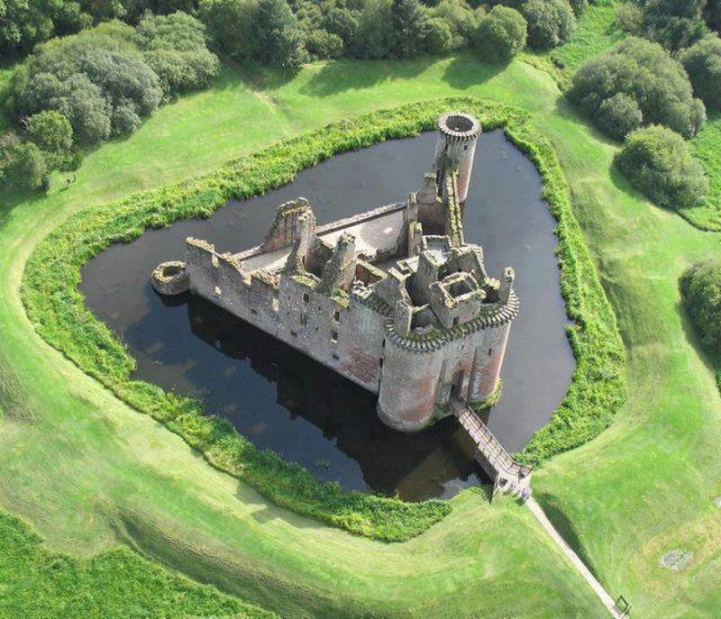 11. Замок Керлаверок, Шотландия. наш мир, удивительные фотографии