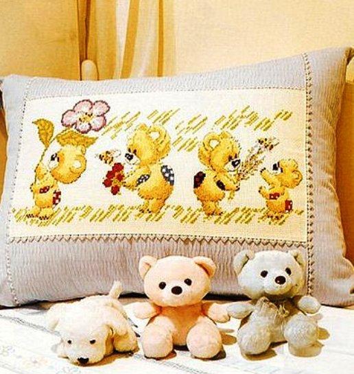 """Схемы для вышивки крестом детской подушки """"Милые мишки"""""""