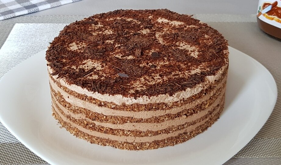 Шоколадный торт без духовки. Он настолько нежный, что просто тает во рту