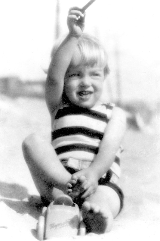 Мэрилин Монро в 3 года