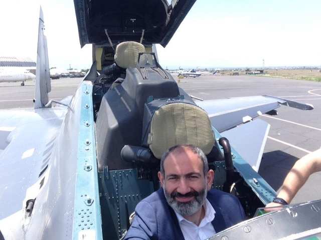 Армения ведет переговоры о приобретении российских истребителей Су-30СМ