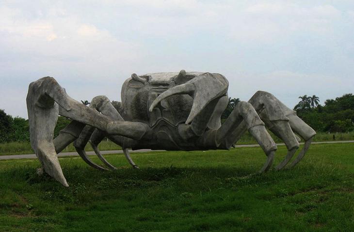 Памятник крабу