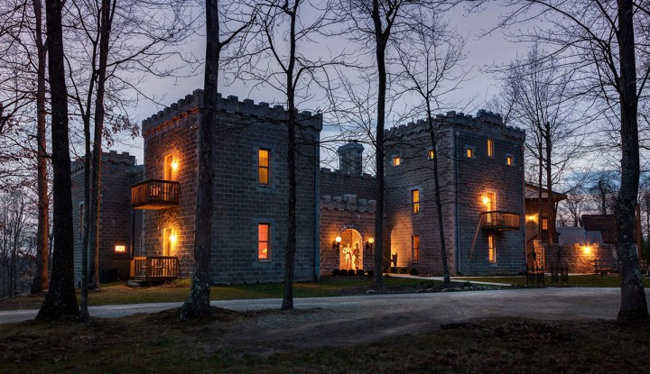 Замок Рейвенвуд