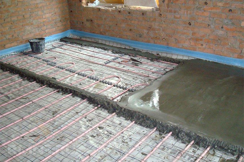 Сколько сантиметров толщиной залить полы в доме на землю своими руками 64