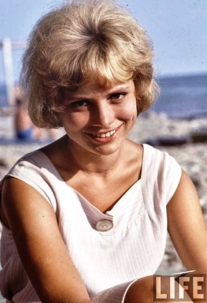 Просто прелесть! На фотографиях советские студентки, спортсменки и просто красавицы  60-х