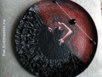 """Декоративная посуда ручной работы. Ярмарка Мастеров - ручная работа Тарелка """"Фламенко в чёрном"""". Handmade."""