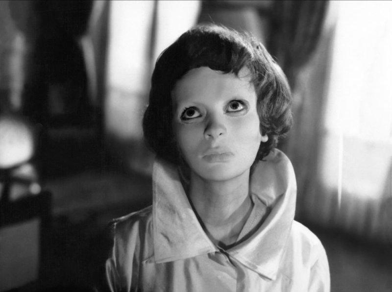 """1. Кадр из фильма ужасов 1960 года """"Глаза без лица"""" век, мир, прошлое, снимок, событие, странность, фотография"""