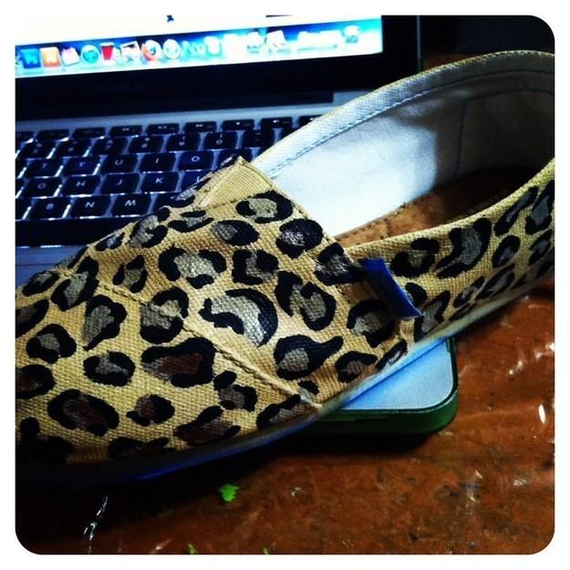 9. Леопардовый принт кеды, обновление, способ, украшение