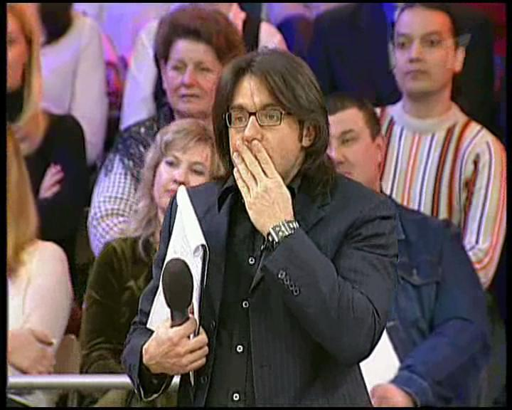 Сотни разочарованных россиян требуют немедленно убрать Малахова с телевидения из-за его отвратительного поведения