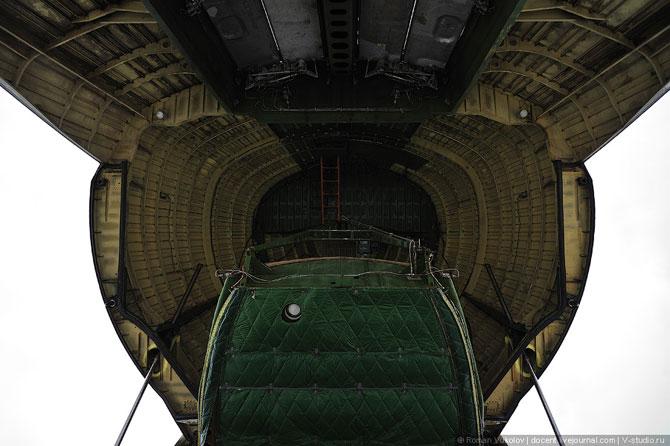 Грузовой самолет АН-124-100