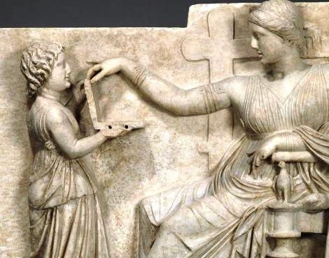 Аномалии — некоторые считают, что эта древнегреческая статуя доказывает, что путешествия во времени существуют