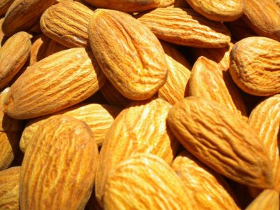 almonds-are-packed-with-vitamin-e-and-magnesium