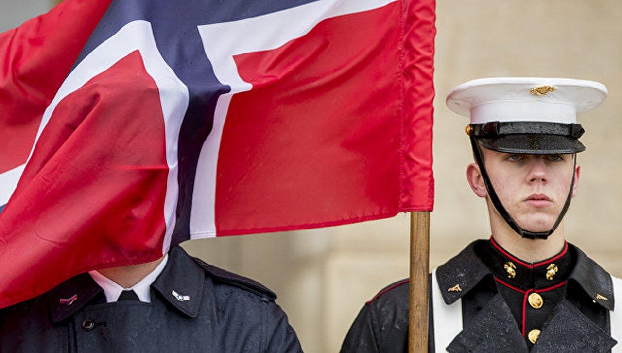 «Морпехи, оставайтесь!» — как норвежцы сами себя напугали русскими