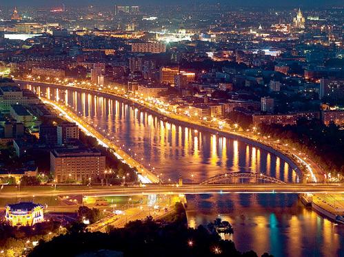 ...зато в ясный денёк открывается шикарная панорама Москвы-реки