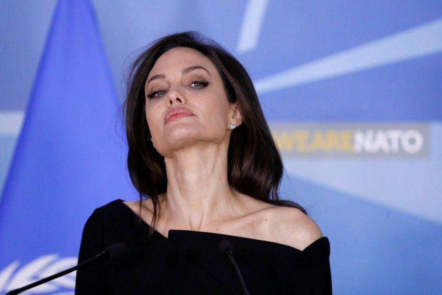 Джоли и Питт: такой славы врагу не пожелаешь