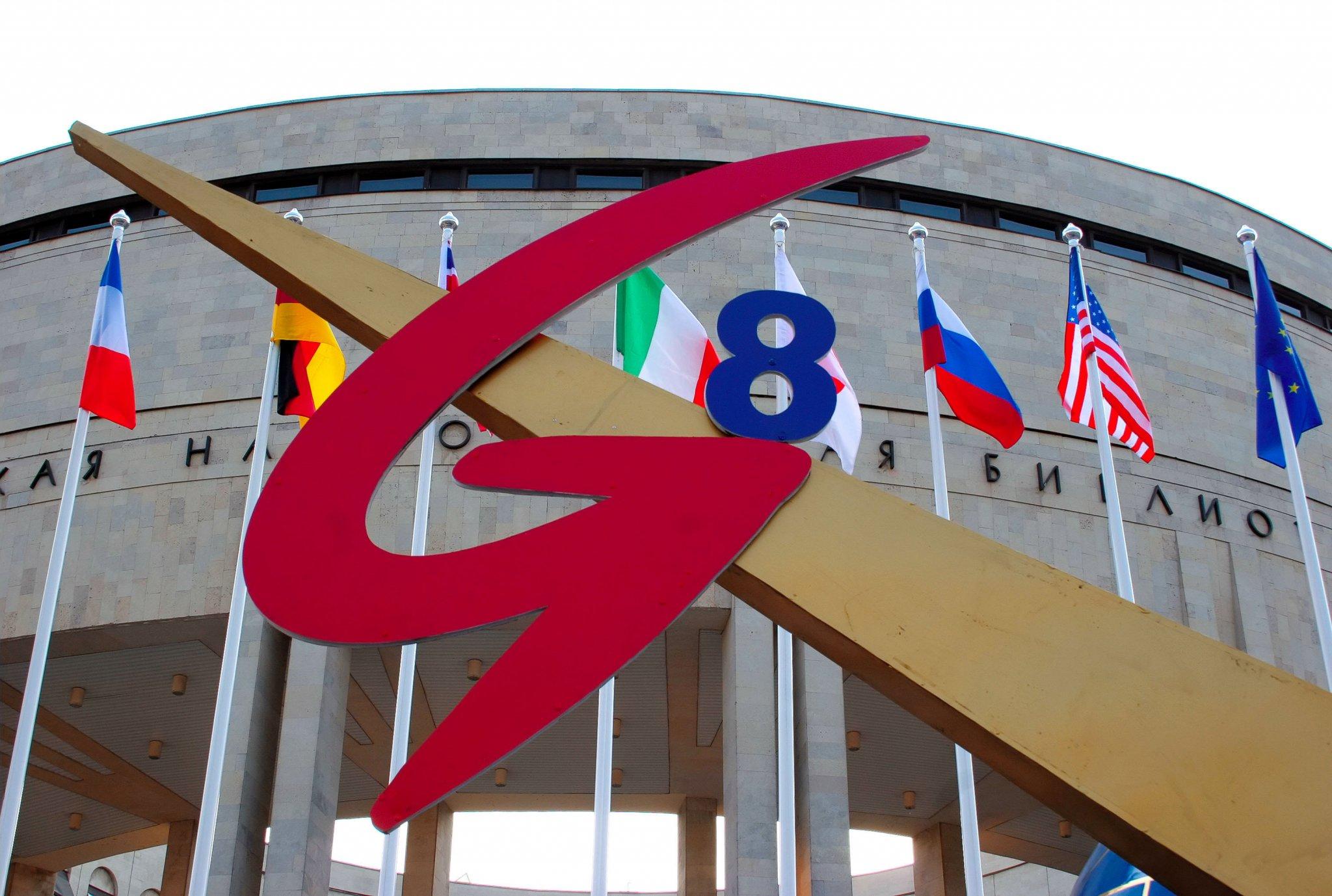 Москва «без рук» разносит Вашингтон. США уже просят РФ вернуться в G-8
