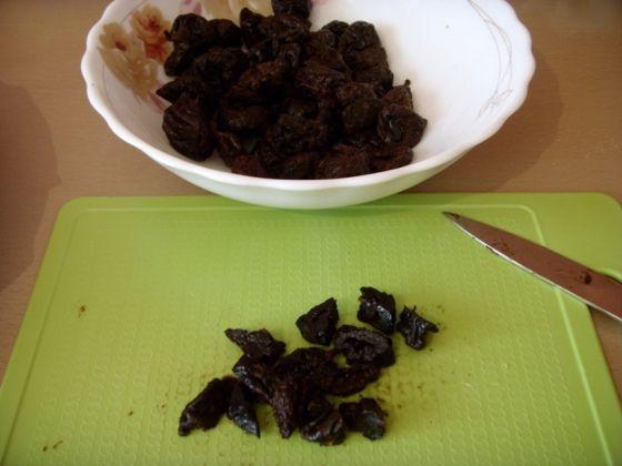 Безумно вкусный пирог с черносливом