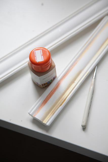 Как легко сделать интерьерную раму с широким багетом