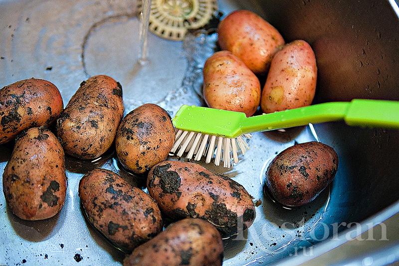 Печеный картофель - полезный и вкусный гарнир